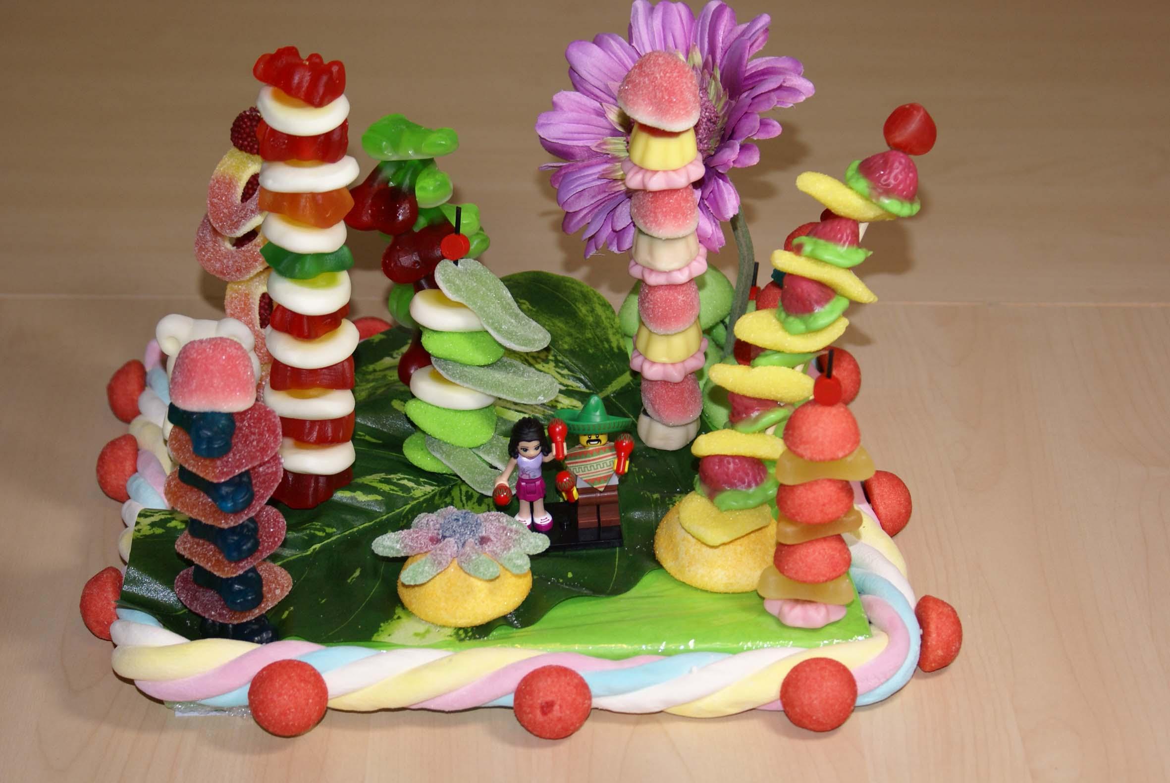... sur-mesure d'un gâteau de bonbons pour des futurs mariés