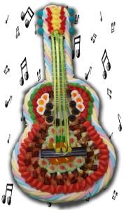 Une guitare classique en confiseries
